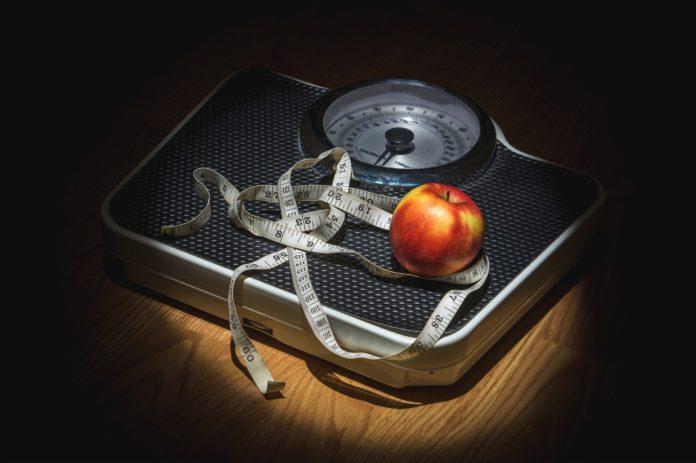 Jak się nie odchudzać: Wyrzuć tę wagę!